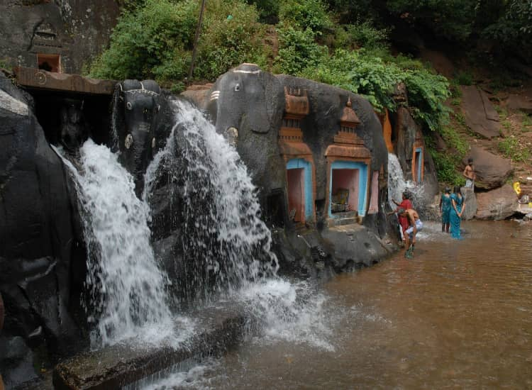 Kallathigiri Falls, also known as the Kalhatti Falls