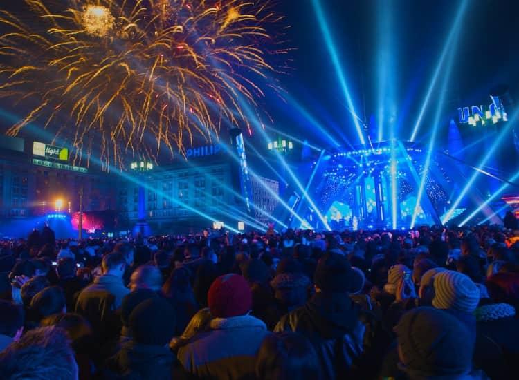 People celebrate new year in delhi.