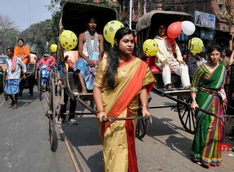 Kolkata go to celebrate Valentine's Day