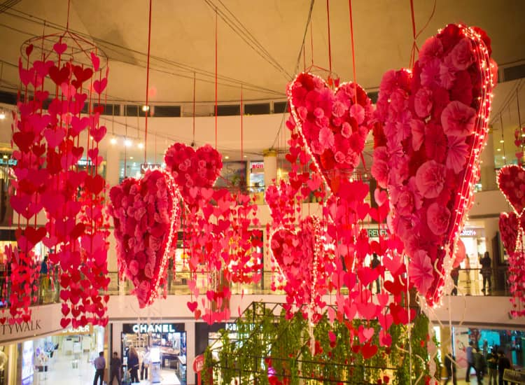 Places To Visit In Delhi On Valentine's Day For Couples