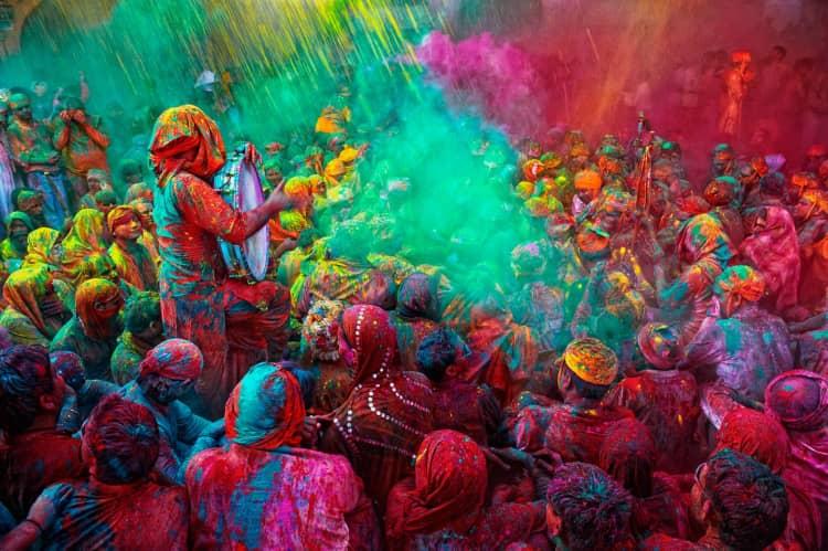 Enjoy holi celebration in Mathura in 2021