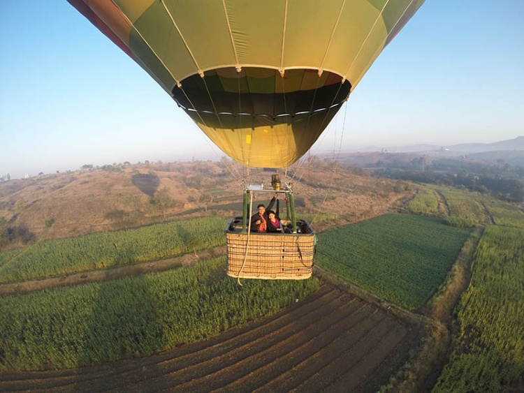 How air balloon rides in Lonavala