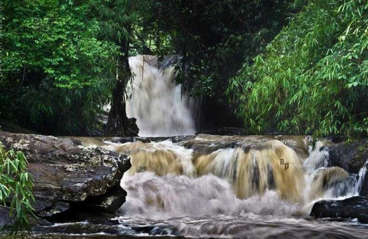 Manjehalli Waterfalls